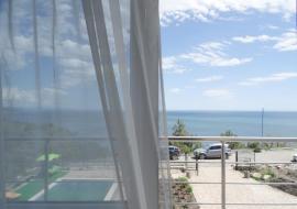 С бассейном восточная набережная - Крым  Алушта гостиница Лукоморье   с бассейном